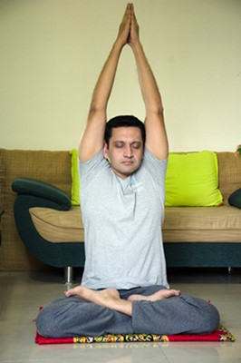 practice online yoga with wellzee